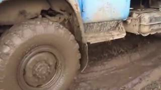 ЗИЛ 130 Полный привод 4x4. Поездка за грибами. Russia off-road Zil 4x4(, 2017-01-21T06:27:36.000Z)