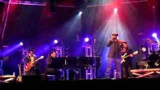 The Roots & John Legend - Doing It Again (Live @ Urban Music Festival )