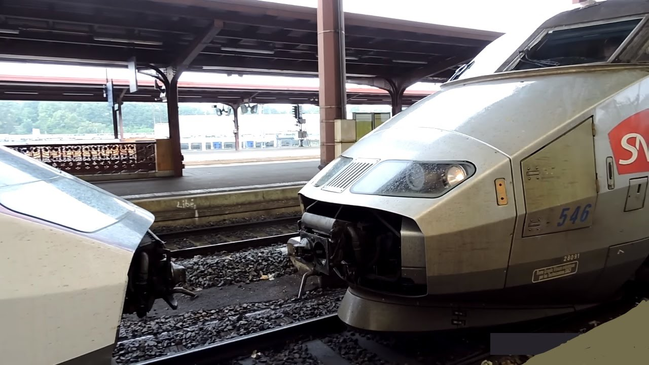 Download Coupling and departing of 2 TGV trains!