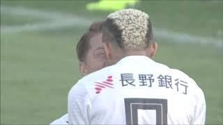左サイドでの仕掛けからゴール前にクロスボールが蹴り込まれると、田中 ...