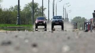 BMW X5 4.4 (automatic transmission) vs BMW X5 3.0 (manual transmission)