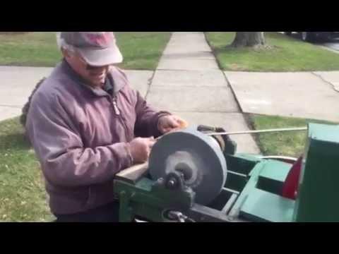 Tony Del Ciello, knife sharpner