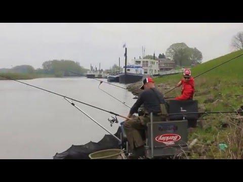 Vissen op de Waal met Brian, Evert en Jan