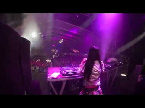 Fatima Hajji - Techno set @ Global Music (Zaragoza) 10 10 2014 - Videoset