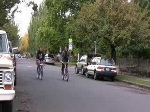 Video Tour of Hawthorne Neighborhood in Portland, Oregon