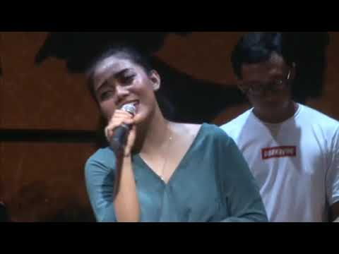 Like I'm Gonna Lose You - Meghan Trainor,Cover Song By Lia Magdalena With Glassymusic, Jogja