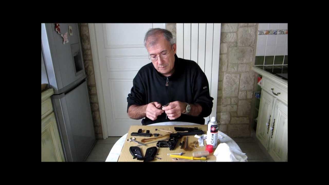 d montage complet du pistolet beretta mod le 76 youtube. Black Bedroom Furniture Sets. Home Design Ideas