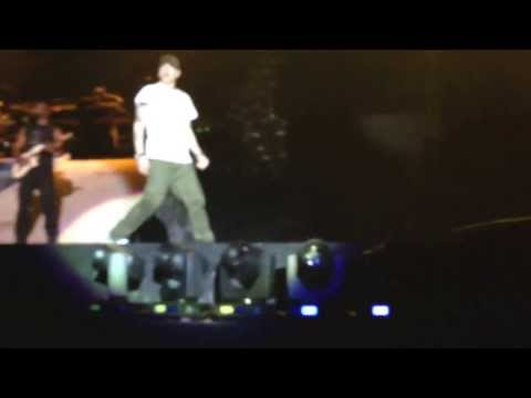 Eminem Rapture NZ 2014- Lose Yourself (Last song of concert)
