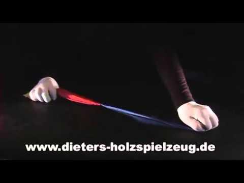 Tour de magie Foulard changeant de couleurs - YouTube b64646001ba