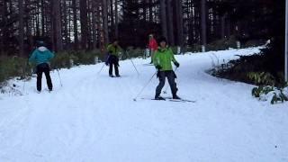 歩くスキー 下り坂練習