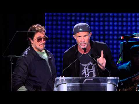 29th Annual NAMM TEC Awards Chad Smith and Jim Keltner Set Up the Hal Blaine Les Paul Award