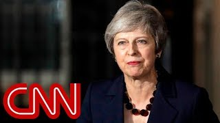 Theresa May: Cabinet backs Brexit draft deal