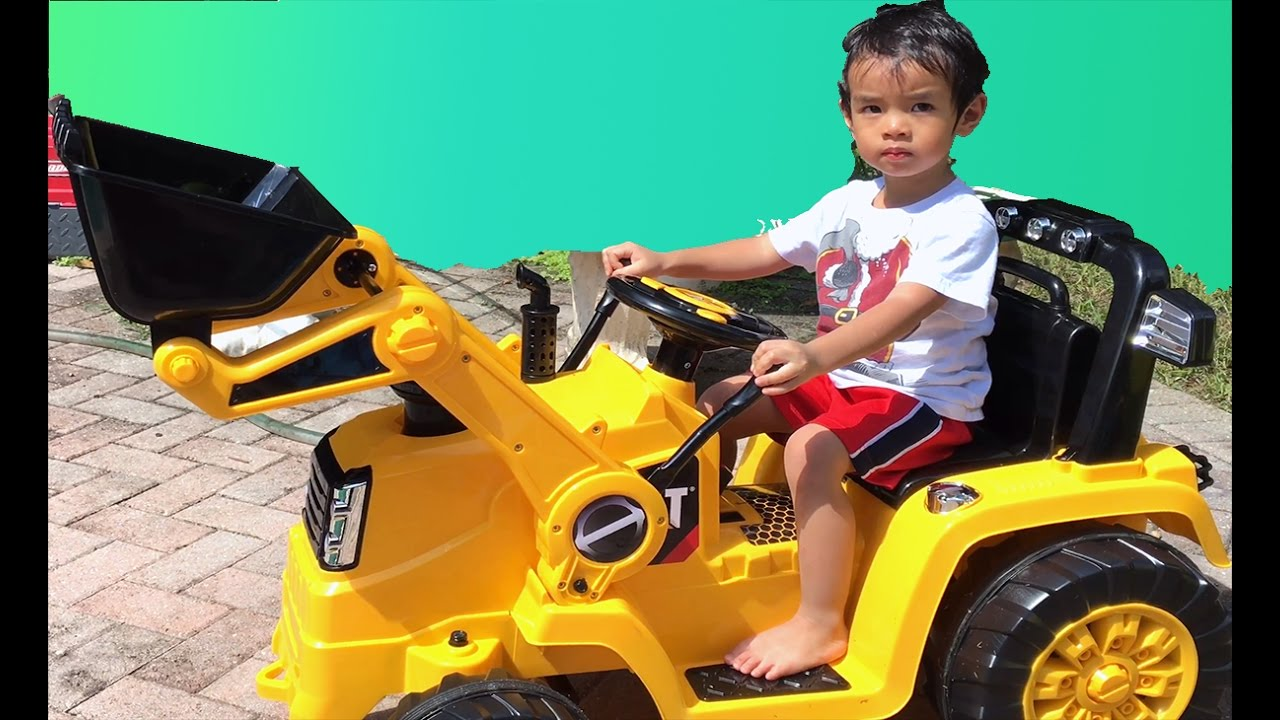 d6f3c1721053 Kidtrax Bulldozer Ride On Tractor - YouTube