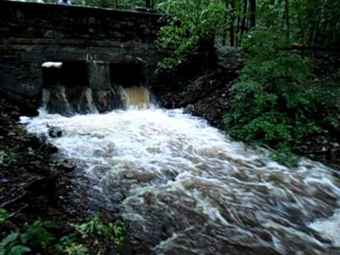 Cascades Worcester Tropical Storm Irene 8 28 2011 Youtube