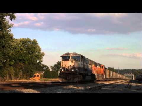CSX Coal Train with BNSF Engines Kenova, WV [HD]
