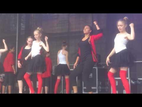 FalcoRock Me Amadeus mit Dance Gruppe Vera Braun SchwäbischGmünd