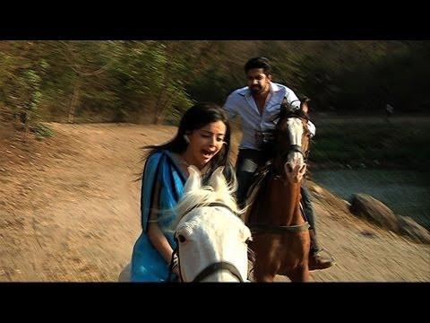 Shlok Saves Astha - Iss Pyaar Ko Kya Naam Doon... Ek Baar Phir