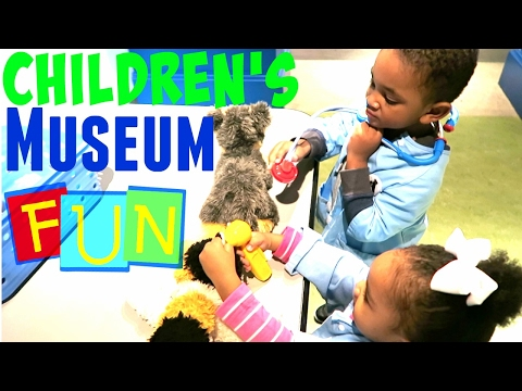 CHILDREN'S MUSEUM FAMILY FUN TRIP to indoor play area with FUN KIDS LEARNING ACTIVITIES & TOYS