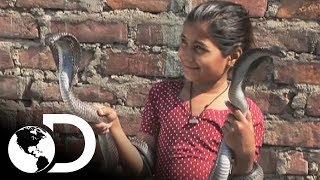 Niña encantadora de serpientes  | Mi Cuerpo, Mi Desafío l Discovery Latinoamérica
