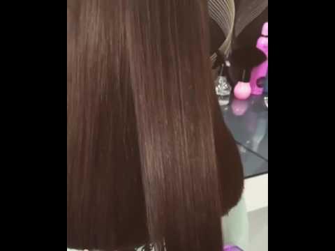 Lange Haare beim Friseur abrasieren lassen