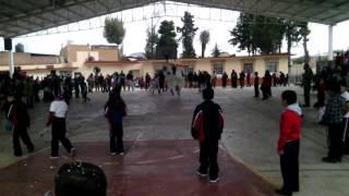 El torito de huecorio visitando las escuelas