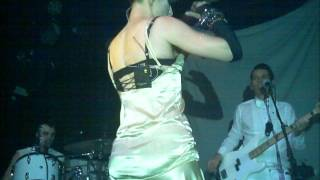 Amanda Palmer & The Grand Theft Orchestra--Smile (pictures or it didn't happen)