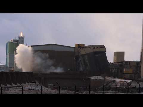 Demolition fail - 2nd attempt - Cement Plant - Sementsverksmiðjan - Akranes, Iceland 06.01.2018