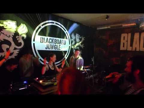 Mighty Melody, Lady Lia & Vibes Ambassadors @ Blackboard-Jungle # 09