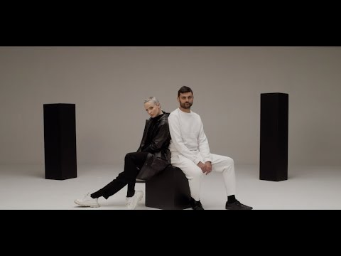 Смотреть клип Madame Monsieur - Les Lois De L'Attraction Feat. Kyo