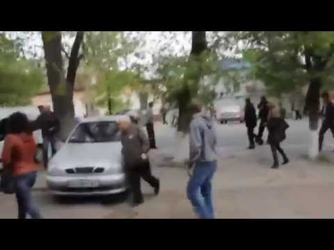 UKRAINE: EXECUTION OF CIVILIANS IN MARIUPOL – ENG SUBS