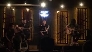 Cô gái nhỏ và anh - Hồng Ngân [Xương Rồng Coffee & Acoustic]