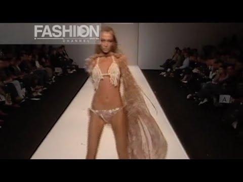 MICHIKO KOSHINO Spring Summer 2005 London by Fashion Channel