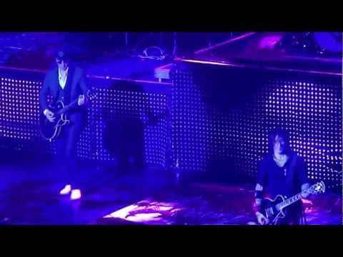 "Guns n' Roses with Izzy Stradlin ""Knockin' On Heaven's Door"" 11-24-12 Las Vegas"