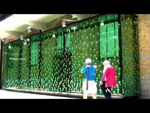 Dancing Solar Flowers Video - Tour & Taxis Brussels - Sustainable Development Art