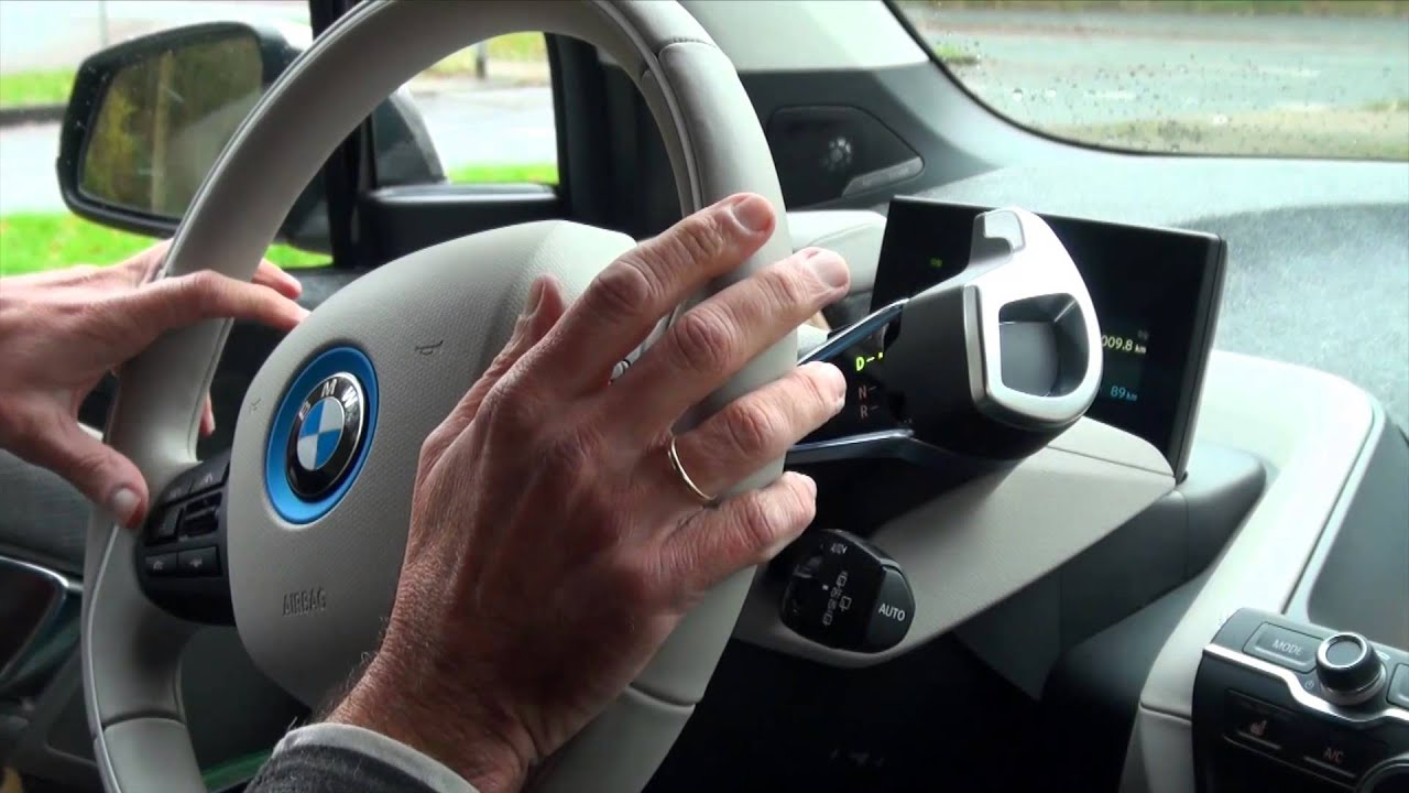 BMW i3 test review - driving with dynamics and One Pedal Feeling