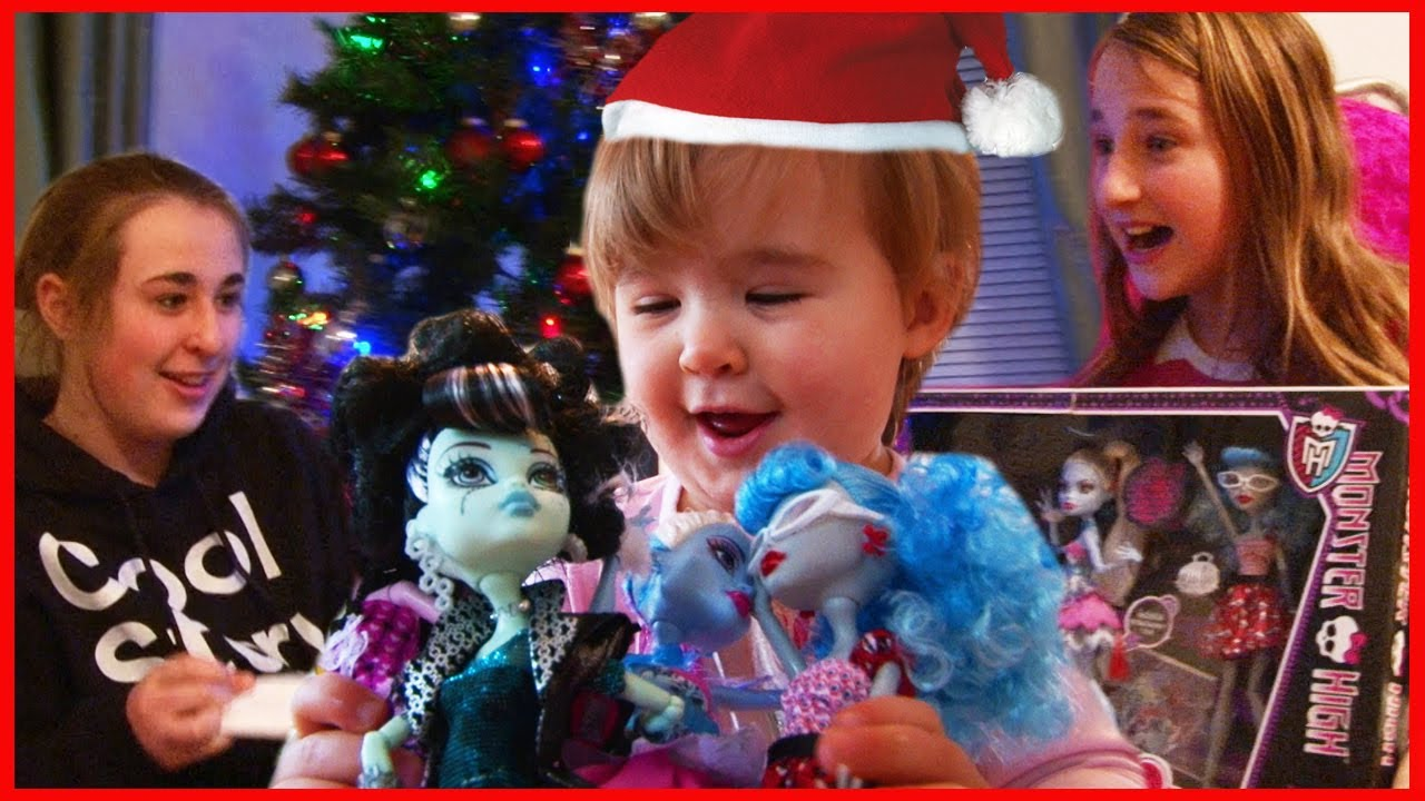 Kids Opening Christmas Presents on Christmas Day 2012 ...