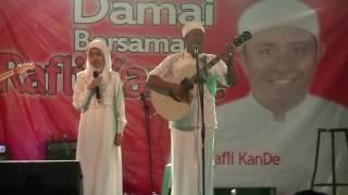 Rafli kande and Syifa Urrachmah (Ibu)