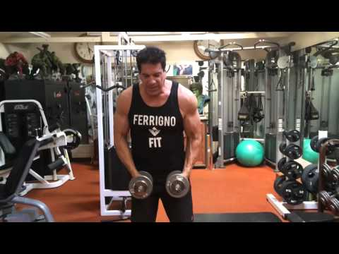 Lou Ferrigno s you how to not look like a foolish monkey in the gym!