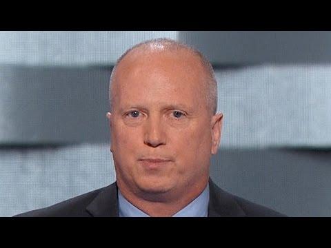 Former NYPD detective Joe Sweeney addresses the DNC