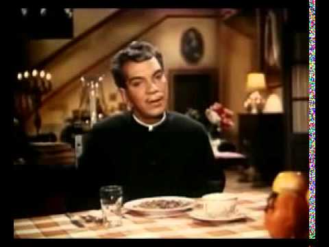 El Padrecito ..Cantinflas - YouTube