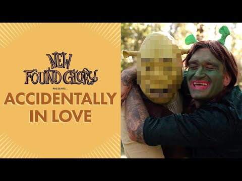 Смотреть клип New Found Glory - Accidentally In Love