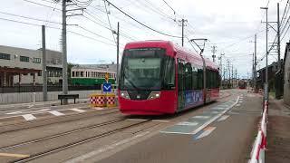 万葉線MLRV1000形1003号 新吉久発車