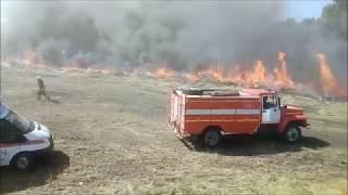 Для тушения учебного пожара под Вязовкой задействовали самолет и БТР