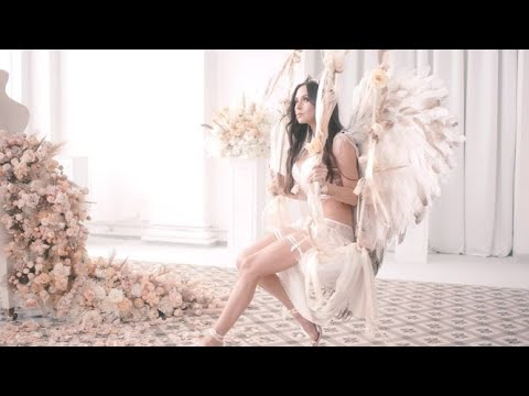Lola Astanova - The Muse (Clair de Lune)