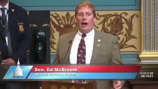 Sen. McBroom addresses the Senate on SB 486 on wolf management council