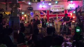 三重県桑名市のライブカフェ Hero's さんで行われた 「生バンドでカラオ...