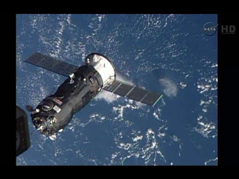 RussIan cargo ship docking with ISS in HD