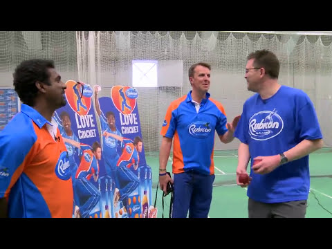 Spin bowling masterclass with Muttiah Muralitharan and Graeme Swann