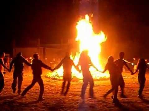 Triskelia 2012 - Accensione del Grande Fuoco druidico ...