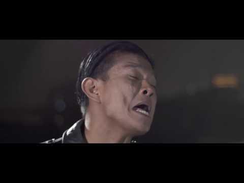 Andika Feat Yoshi - Lebih Baik Mundur